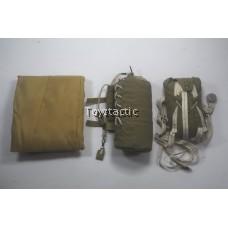 K80135 British 1st Airborne Division (Red Devils) Commander Roy WWII - Parachute Set