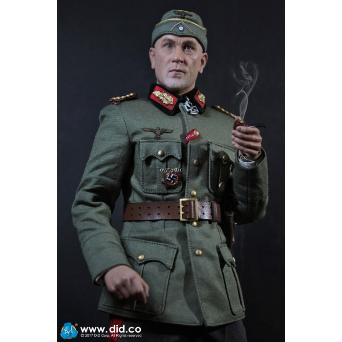 DID 1//6 Action Figure WWII German Communications 2 WH Major General Drud D80123