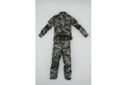 DAMTOYS 78062 - Chinese Peacekeeper PLA in UN Peacekeeping Operations - PLA Type 07 Camouflage Combat Shirt & Pants